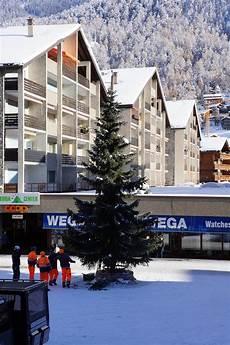 zermatt matterhorn winter weihnachten weihnachtsbaum