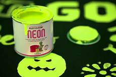 neon paint green 125ml by designer paint
