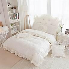 copriletto con volant beige jacquard raso set di biancheria da letto 4 pz