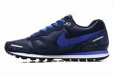 nike air waffle trainer leather trainers in blue at