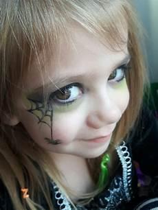 kinder hexe schminken kinderschminken hexe herrlicher look