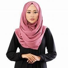 4 Cara Memakai Jilbab Segi Empat Untuk Wajah Bulat