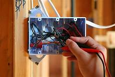 receptacle boxes and cable installation codes