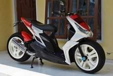 Modifikasi Honda Beat Injeksi by Modifikasi Honda Beat Injeksi Merah Putih Modifikasi Motor