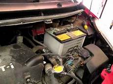 batterie toyota yaris how to replace car battery on toyota yaris
