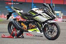 Modifikasi Striping All New Cbr150r by Tiga Modifikasi Striping Honda All New Cbr150r 2016 White