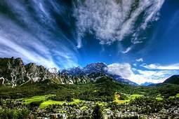Dolomiti Superski  Cortina DAmpezzo Ski Slopes