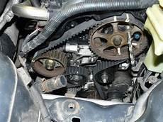علامات تشير الى قطع او تلف سير الكاتينة في المحرك او ما
