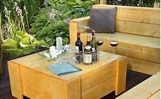 lounge möbel selber bauen holztisch zur gartenlounge selber bauen anleitung