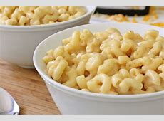 a simple baked macaroni and cheese_image
