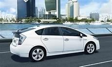 Toyota Prius Iii Les Finitions Dynamic Et Lounge Avec