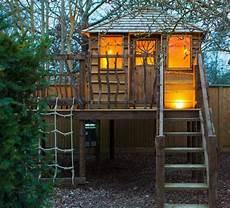 Cabane De Jardin Pour Enfant En Bois Id 233 Es Pour