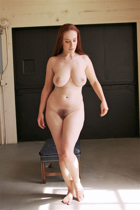 Curvy Butts Nude