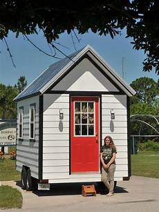 a small house florida city approves tiny house community