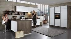Hochglanz Küche Reinigen Mit Glasreiniger - gro 223 z 252 gige l k 252 che quot arctica quot culineo mit front in