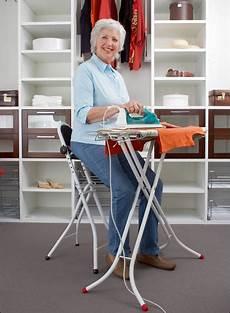 Rückenschonendes Arbeiten Im Alltag - stehhilfe stehstuhl besonders leicht stehend sitzen