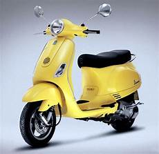 roller 50ccm vespa pics top 10 sexiest new scooters of 2012 rediff