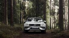 volvo lineup 2020 2020 volvo v60 cross country elevates wagon lineup motor