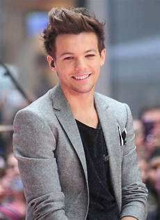 One Direction Louis - louis tomlinson picture 29 one direction performing live