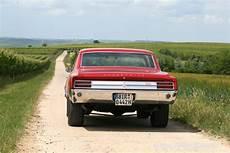 wolf im schafspelz auto wolf im schafspelz car power im 1965er oldsmobile cutlass 4 4 2 fotostrecke