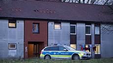 Razzia In Recklinghausen Polizei Sucht Illegale In