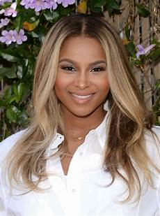 ciara long center parted long ombre hairstyle with waves