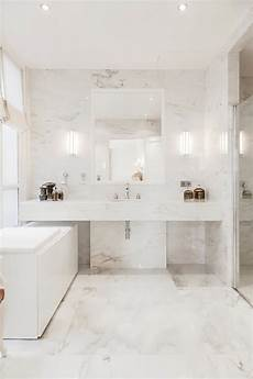 salle de bain marbre salle de bain marbre blanc pour afficher une classe