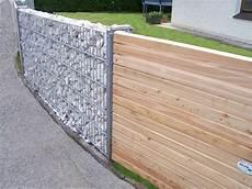 Steinmauer Rembart Holz Im Garten