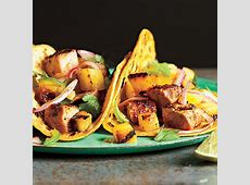 grilled pineapple chipotle salsa_image