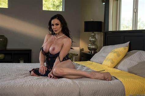 Kendra Lust Takes Off Her Short Dress And Heels And Poses