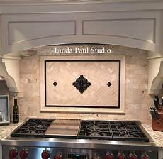 Backsplash Centerpiece by Kitchen Backsplash Ideas Pictures And Installations