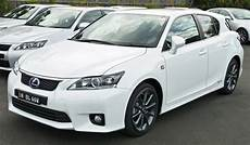 file 2011 lexus ct 200h zwa10r f sport hatchback 2011 04 22 01 jpg wikimedia commons