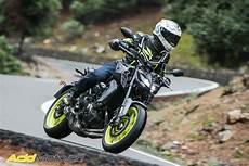 Essai Yamaha Mt 09 2017 Style Transgressif Pour Roadster
