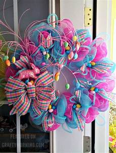 Osterkranz Basteln Anleitung - this beautiful easter wreath was made by terrie dollar who