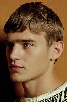 short fringe hairstyles men 33 of the best men s fringe haircuts fashionbeans