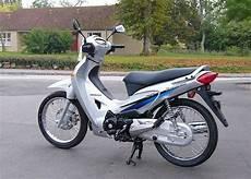 honda innova 125 honda honda anf125 innova moto zombdrive