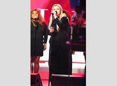 the voice kelly clarkson dress