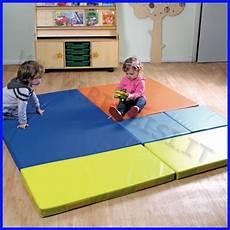 tappeti antitrauma per bambini bimbi si laboratorio di motricita e movimento