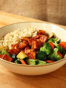 teriyaki peanut tofu with stir fried veggies brown rice