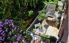 balcone e terrazzo 21 idee per arredare un piccolo balcone casa it