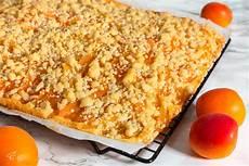 Aprikosenkuchen Mit Frischen Aprikosen - aprikosenkuchen mit streuseln sweet and limitless der