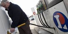 prix de l essence leclerc et u vont proposer leurs