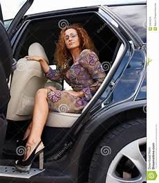 Femme Dans La Voiture Photo Stock Image Du Sortie