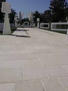 pavimenti in pietra di trani bocciardato lappato in pietra di trani by musicco