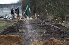 zaunpfosten einbetonieren ausrichten zaunbau kl 228 rwerk bad segeberg plath gartenbau landschaftsbau