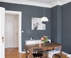 Esszimmer Inspiration Vintage Style Tisch Dunkle Wand