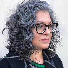 salt and pepper hair styles for woman 35 gray hair styles to get instagram worthy looks in 2020