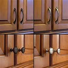 Kitchen Cabinet Knobs Trends 2015 by Dazzling Kitchen Hardware Trends And Ideas Kraftmaid Outlet