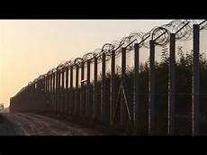 mur anti les murs anti migrants poussent en europe