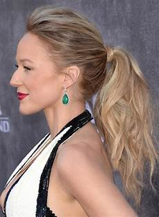 21 messy ponytail hairstyles for every occasion feed